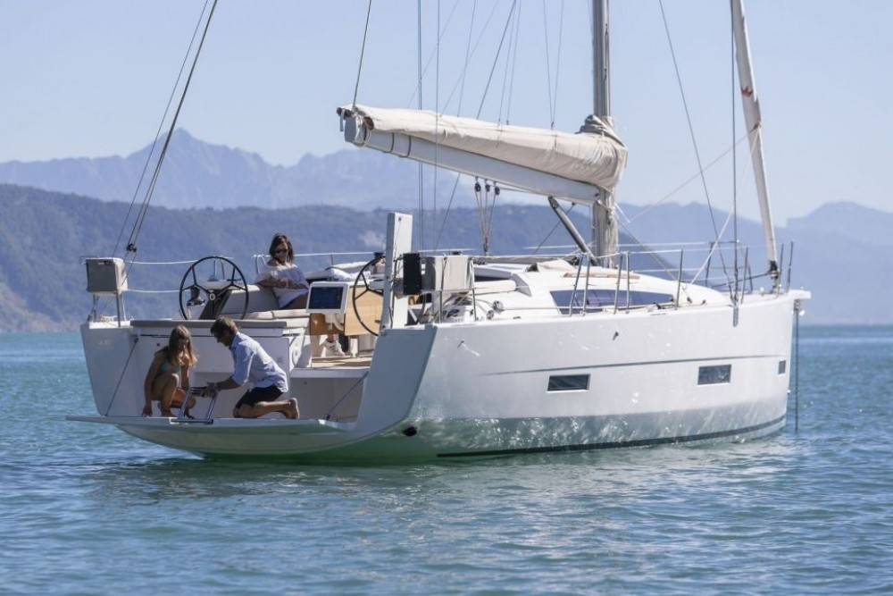 Sailboat for rent Marseille at the best price