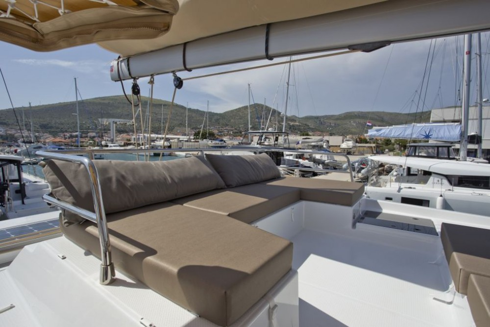Rental yacht Trogir - Fountaine Pajot Saona 47 on SamBoat