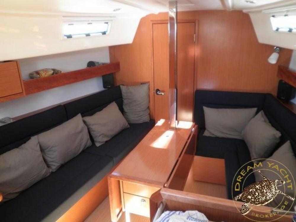 Boat rental Saint-Mandrier-sur-Mer cheap Bavaria 32