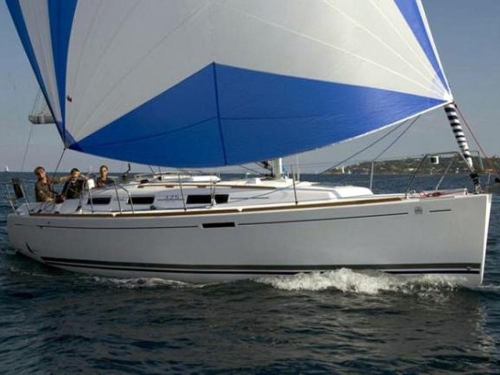 Rental yacht Saint-Mandrier-sur-Mer - Dufour Dufour 325 on SamBoat