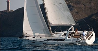 Rental Sailboat in Saint-Mandrier-sur-Mer - Bénéteau Oceanis 41