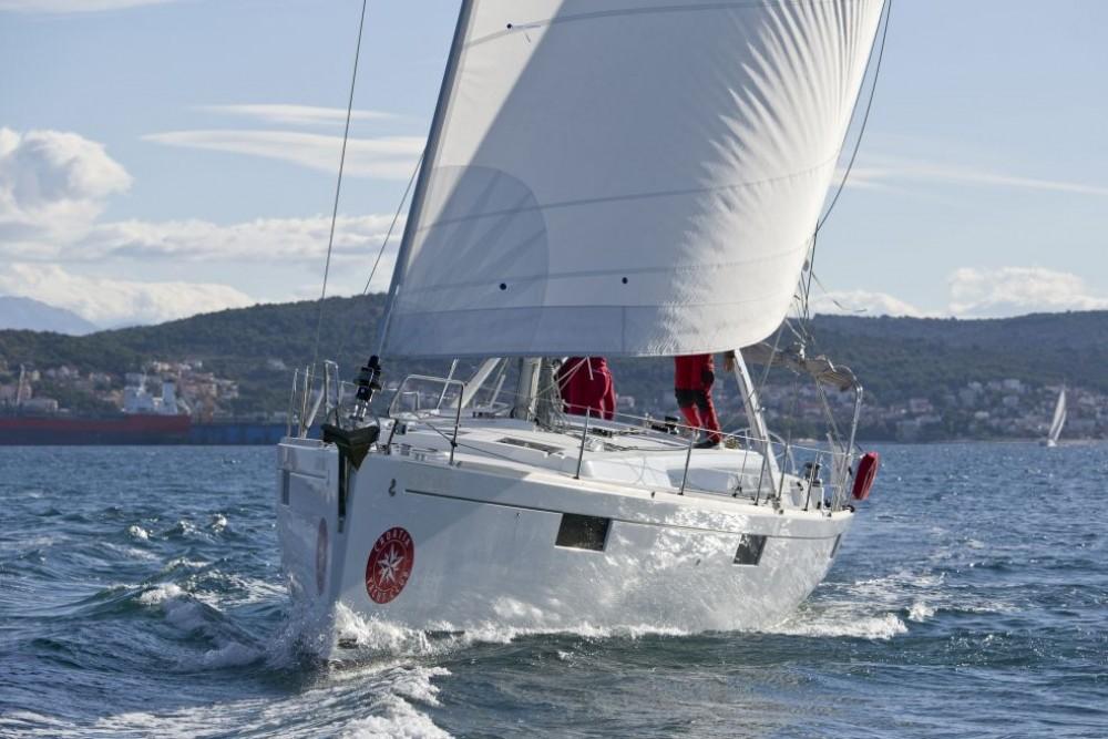 Bénéteau Oceanis 48 between personal and professional Trogir