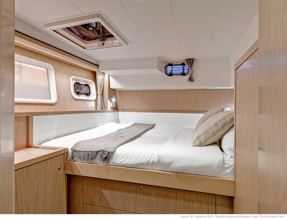 Rental yacht Saint-Mandrier-sur-Mer - Lagoon Lagoon 39 on SamBoat