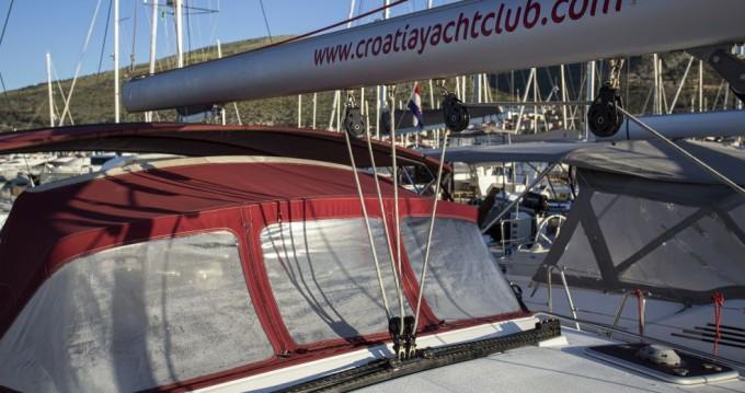 Boat rental Jeanneau Jeanneau 53 in Trogir on Samboat