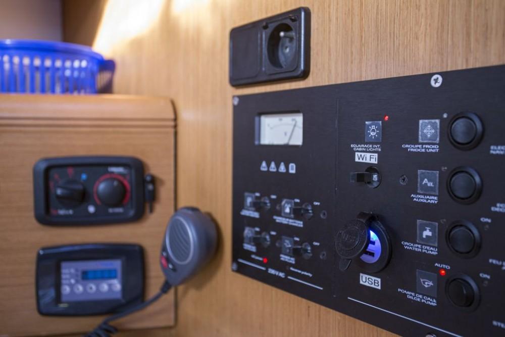 Boat rental Trogir cheap Jeanneau 53
