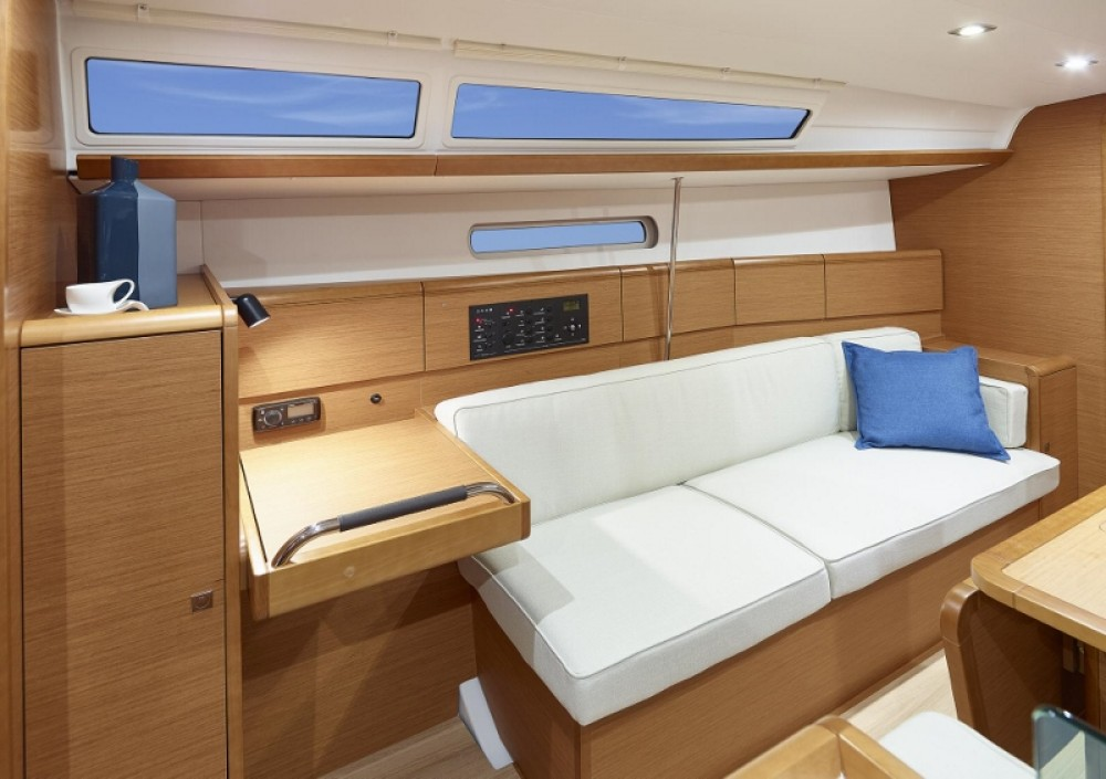 Rental yacht Peloponnese, Western Greece and the Ionian - Jeanneau Sun Odyssey 389 on SamBoat