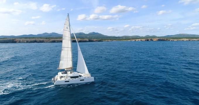 Boat rental Lefkas Egremni cheap Lagoon 52