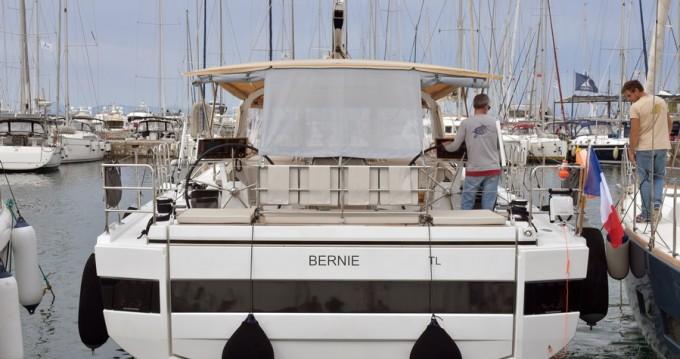 Rental Sailboat in Rhodes - Bénéteau Oceanis 62