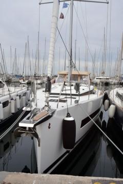 Boat rental Bénéteau Oceanis 62 in Rhodes on Samboat
