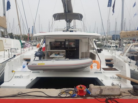 Rental yacht Lávrio - Catana Bali 4.5 on SamBoat