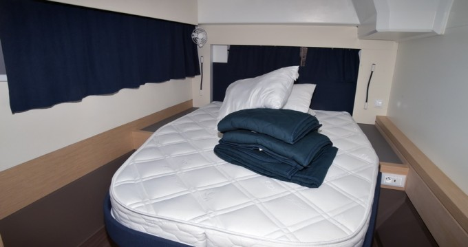 Rental yacht Athens - Fountaine Pajot Astrea 42 on SamBoat