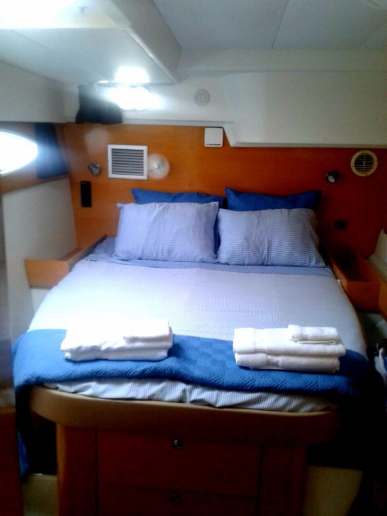 Rental yacht Narganá - Fountaine Pajot Salina 48 on SamBoat
