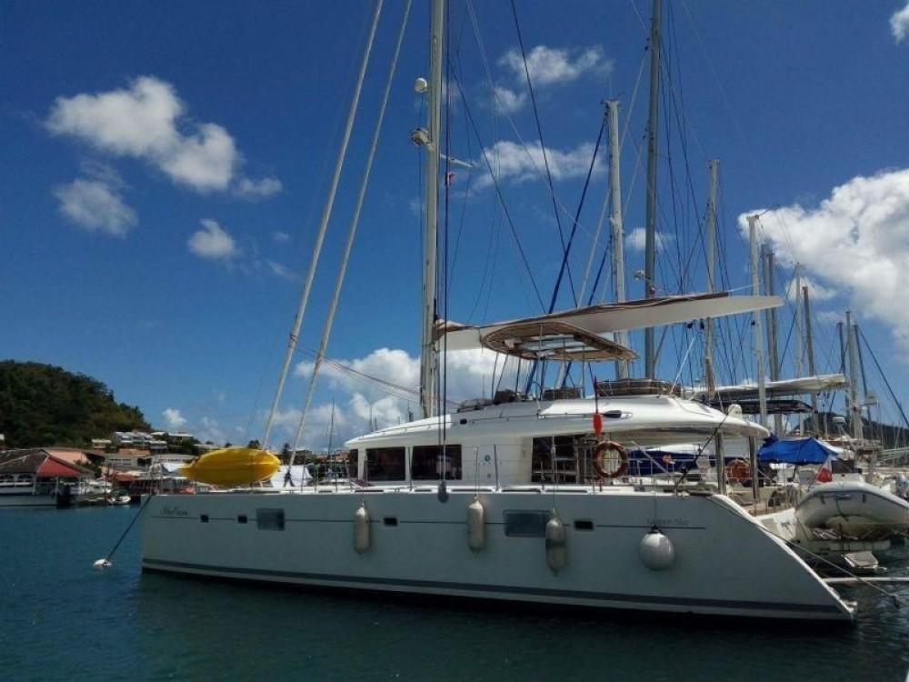 Rental Catamaran in Martinique - Lagoon Lagoon 560