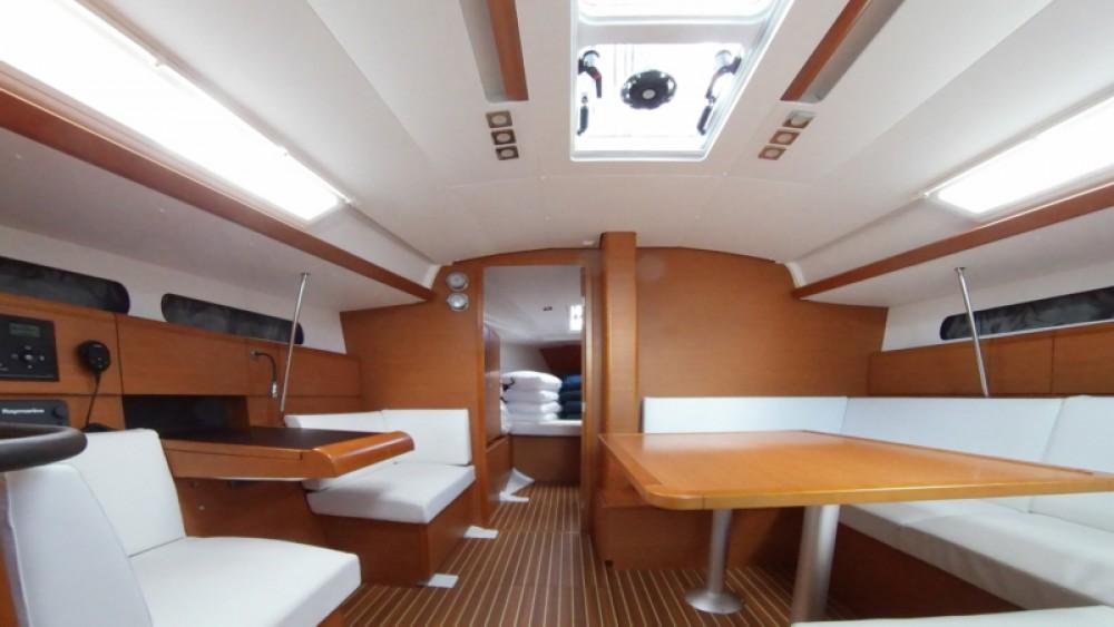 Rental yacht Athens - Jeanneau Sun Odyssey 419 on SamBoat