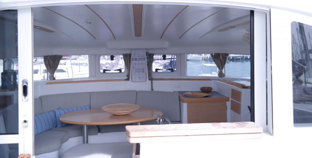 Boat rental Lagoon Lagoon 380 in Athens on Samboat
