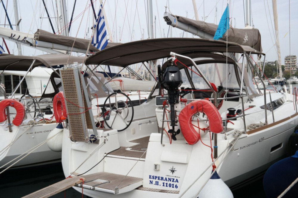Rental Sailboat in Volos - Jeanneau Sun Odyssey 439