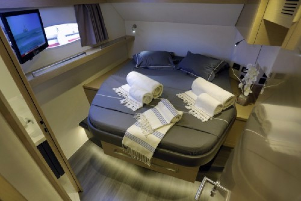 Boat rental Fountaine Pajot Sanya 57 in Athens on Samboat