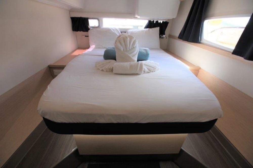 Rental yacht Road Town - Fountaine Pajot Helia 44 Evolution on SamBoat