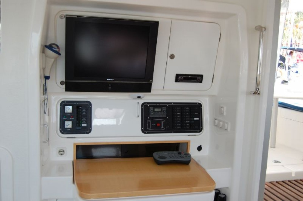 Hire Catamaran with or without skipper Voyage yachts
