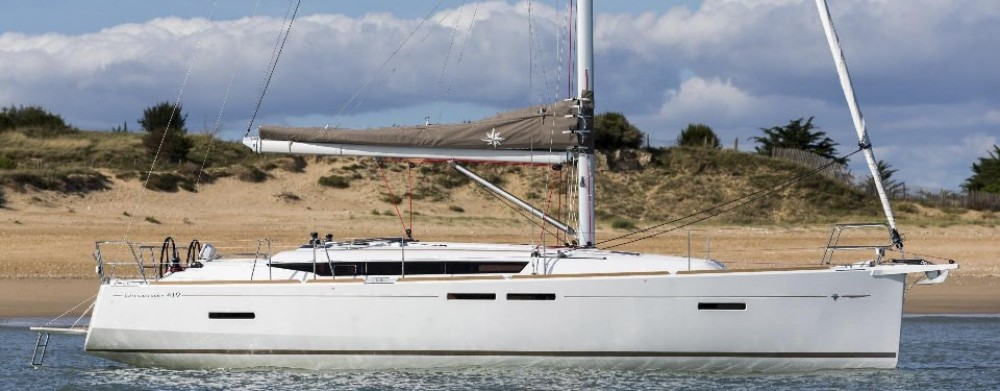 Jeanneau Sun Odyssey 419 between personal and professional Road Town