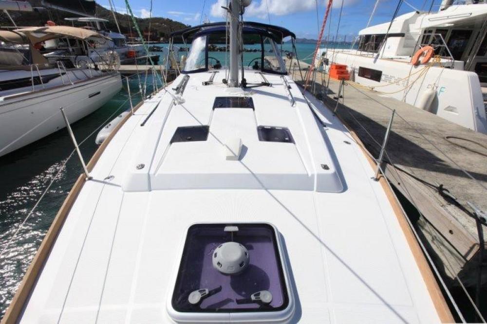 Rental yacht Road Town - Bénéteau Oceanis 41 on SamBoat