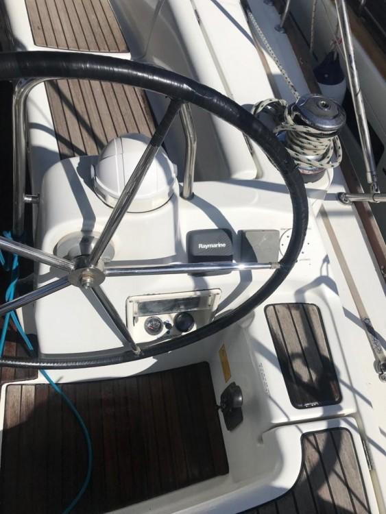 Rental yacht Palma - Bénéteau Oceanis 40 on SamBoat