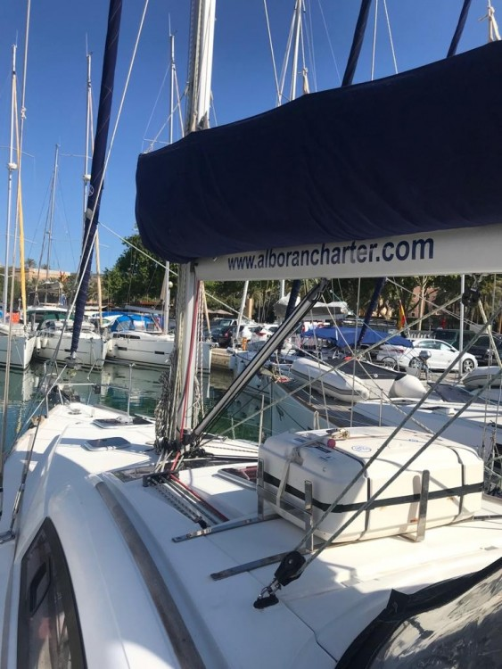 Boat rental Palma cheap Oceanis 40