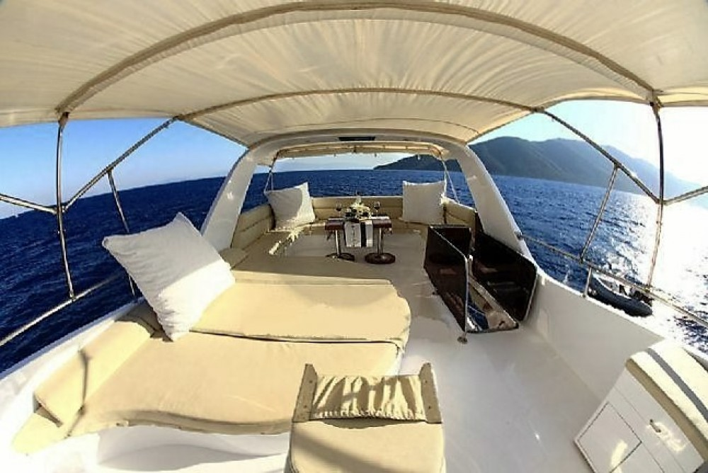 Rental Motorboat custom built YACHT with a permit