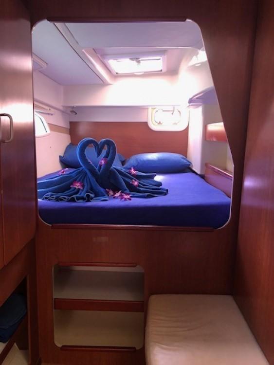 Boat rental Phuket cheap Leopard 39