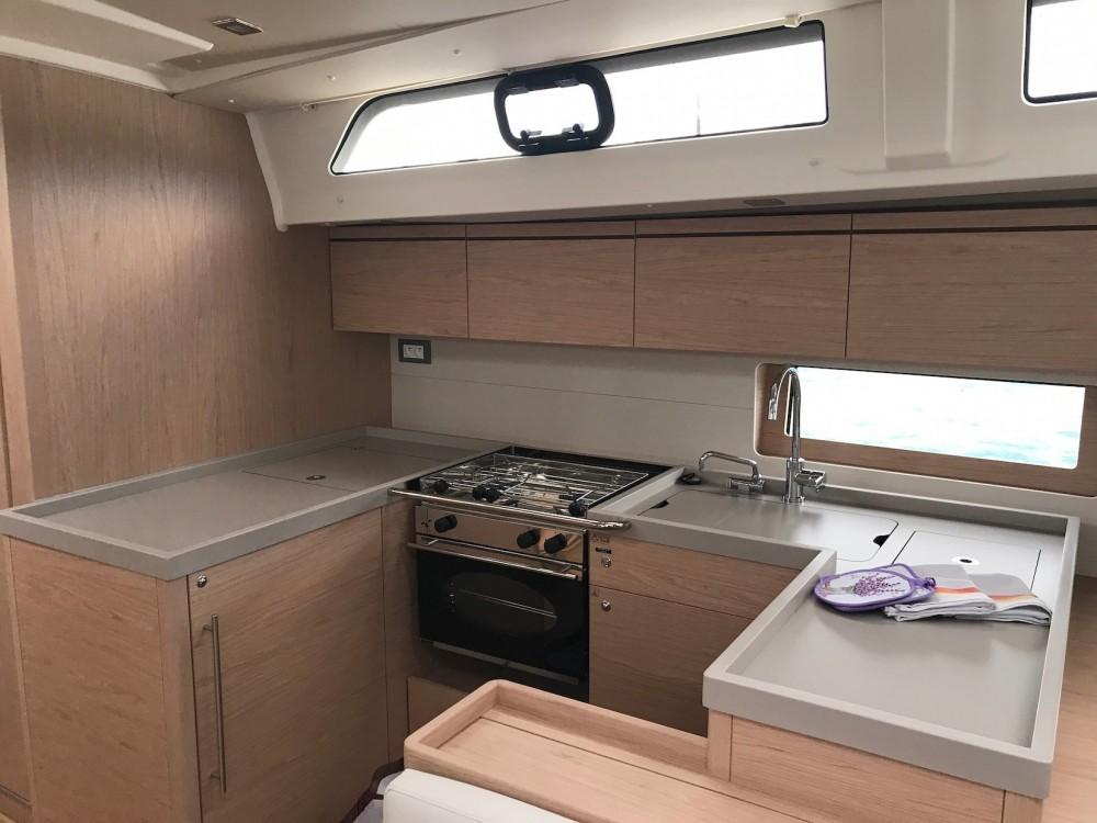 Rental yacht Sardinia - Bénéteau Oceanis 51.1 on SamBoat