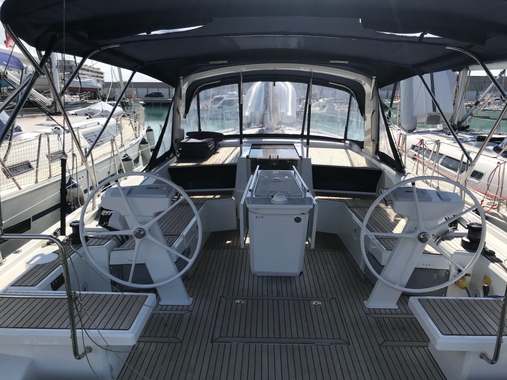 Hire Sailboat with or without skipper Bénéteau Rosignano Marittimo
