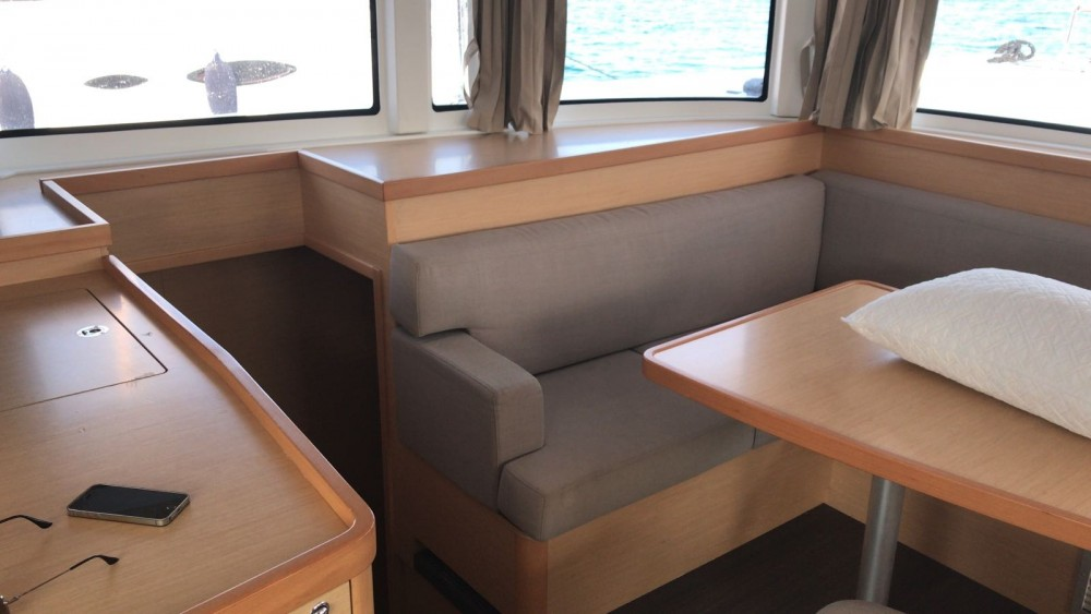 Hire Catamaran with or without skipper Lagoon Saint-Georges