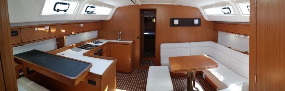 Boat rental Bavaria Bavaria Cruiser 51 in Canary Islands on Samboat