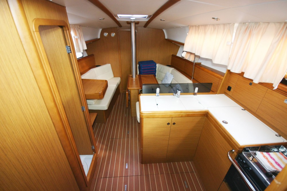 Boat rental Jeanneau Sun Odyssey 36i in  on Samboat