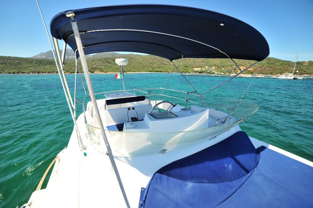 Rental Motor boat in Olbia - Fountaine Pajot Maryland 37