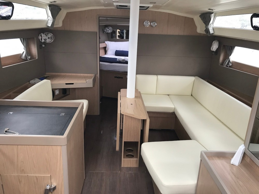 Rental yacht Sardinia - Bénéteau Oceanis 41.1 on SamBoat