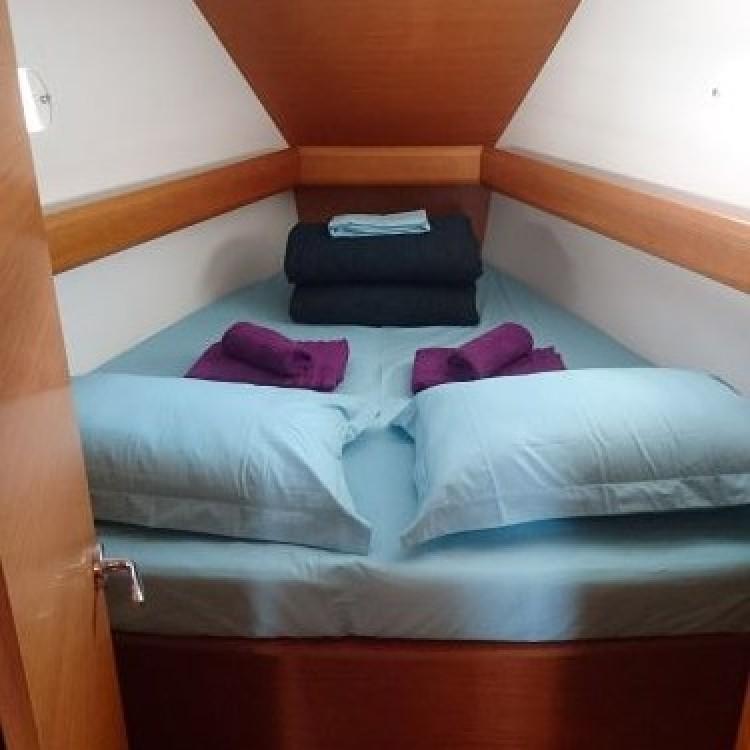Boat rental Jeanneau Sun Odyssey 449 in Kalafationes on Samboat