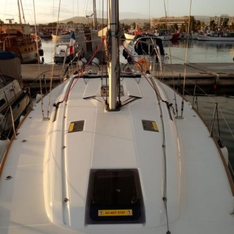 Boat rental Jeanneau Sun Odyssey 449 in Athens on Samboat