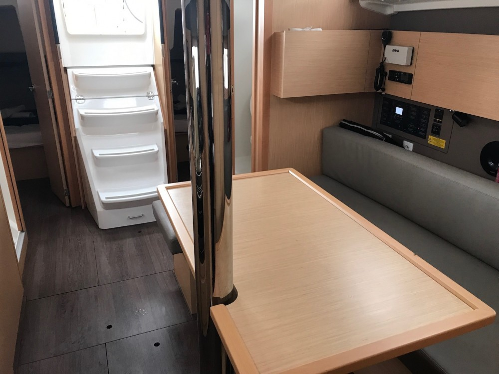 Rental yacht Olbia - Bénéteau Oceanis 38.1 on SamBoat