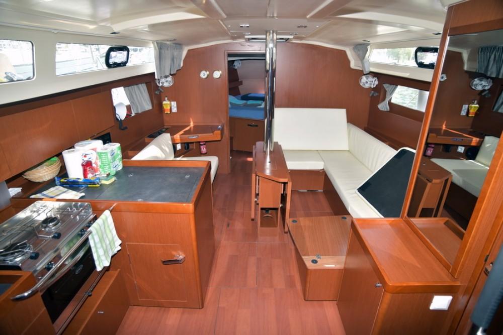 Rental yacht Athens - Bénéteau Oceanis 41.1 on SamBoat