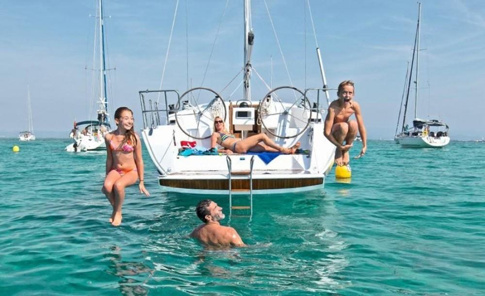 Boat rental Bavaria Bavaria Cruiser 41 in Preveza on Samboat