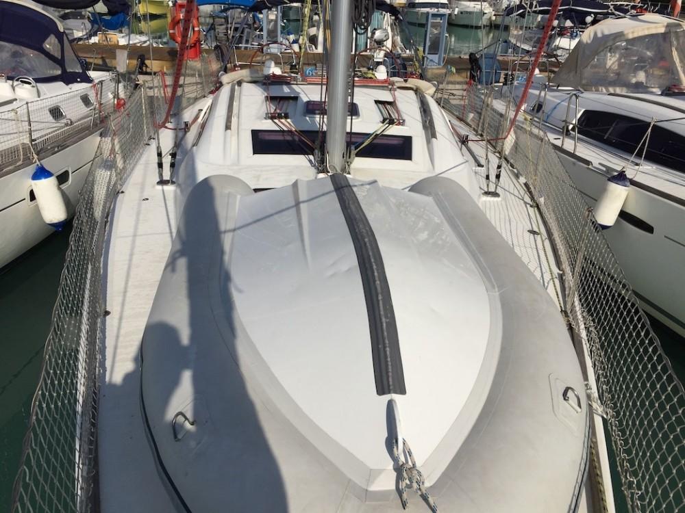 Rental Sailboat in Olbia - Bénéteau Oceanis 43
