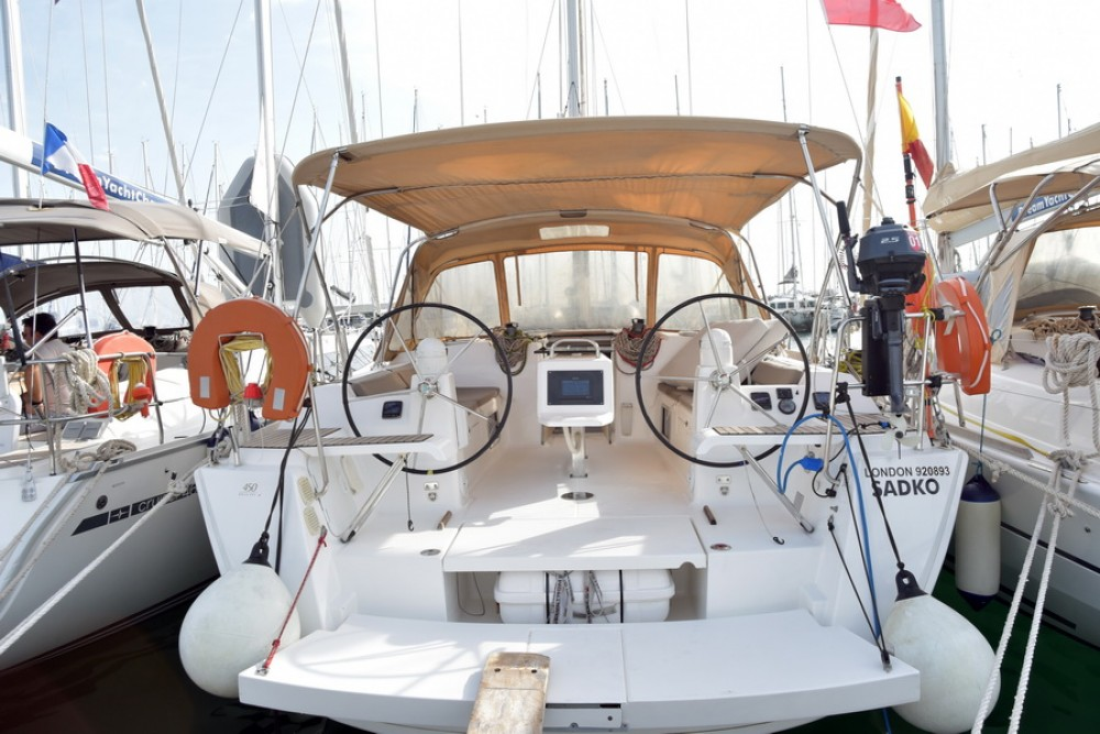 Dufour Dufour 450 Grand Large between personal and professional Athens