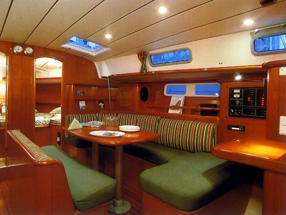 Bénéteau Oceanis 461 between personal and professional Cos