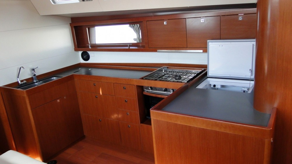 Bénéteau Oceanis 48 between personal and professional Aegean