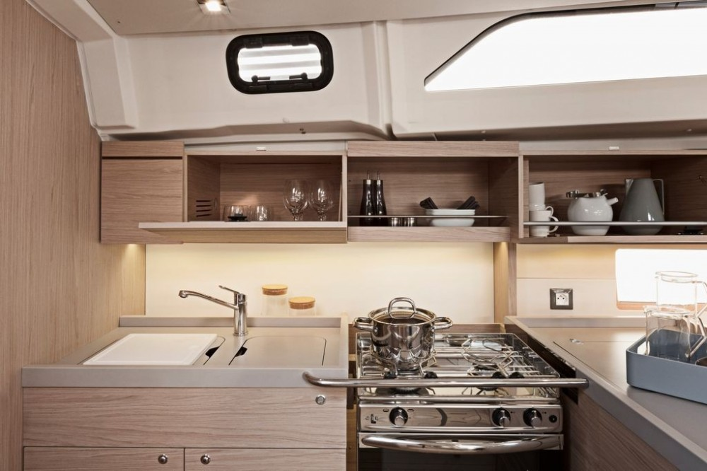 Bénéteau Oceanis 461 between personal and professional Athens