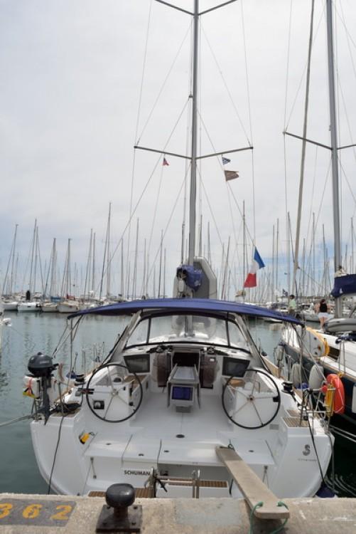 Boat rental Athens cheap Oceanis 45