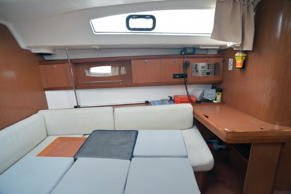 Boat rental Laurium cheap Oceanis 43