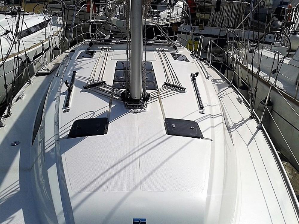 Boat rental Bavaria Bavaria 41 in Cos on Samboat