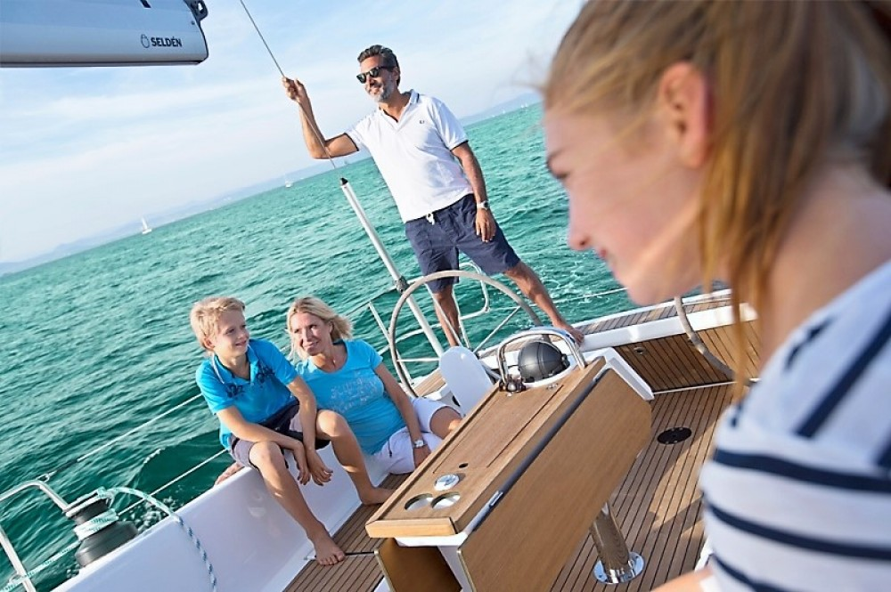Rental yacht Skiathos - Bavaria Bavaria 41 on SamBoat